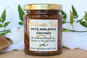 Auntie Vals date and apple chutney